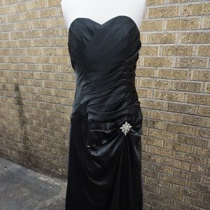 Dresses & Skirts - Black formal gown